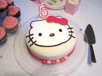 Hello Kitty afmæliskaka 3